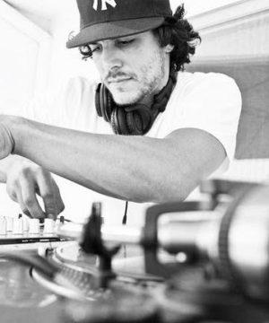 DJ-PROPHET_bio